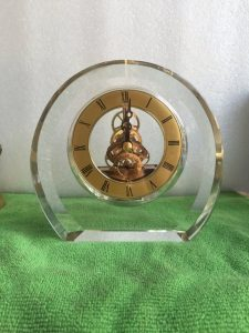 Biểu trưng Pha lê gắn đồng hồ - BTPLĐH 023