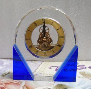 Biểu trưng Pha lê gắn đồng hồ - BTPLĐH 026