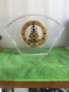 Biểu trưng Pha lê gắn đồng hồ - BTPLĐH 05