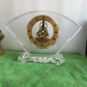 Biểu trưng Pha lê gắn đồng hồ - BTPLĐH 017